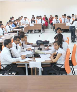 law courses in manipal university jaipur